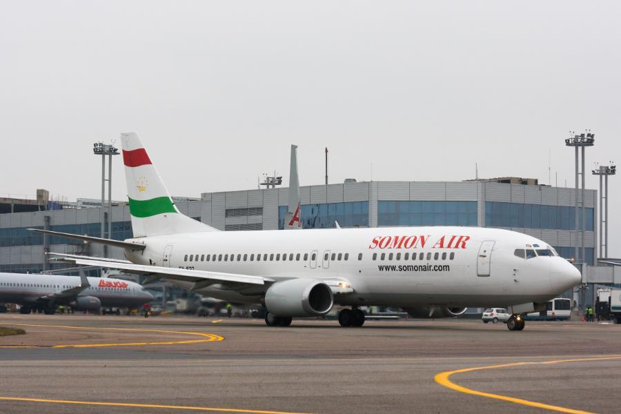 Самолет авиакомпании Somon Air.